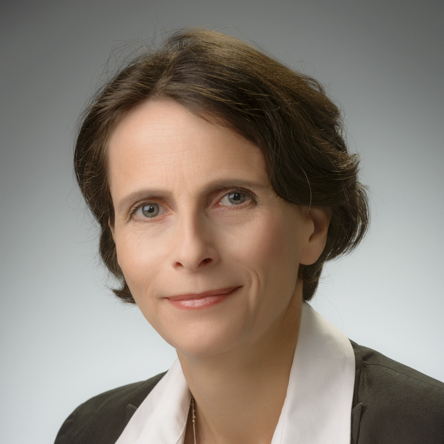 Dr. Efrat Shefer